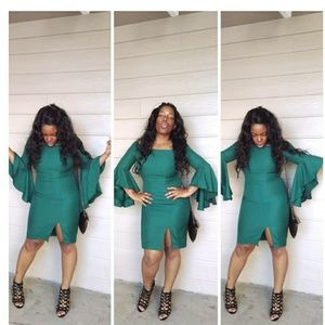 Green Mini Dress with extended ruffle sleeves